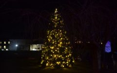 Hingham Celebrates Christmas in the Square