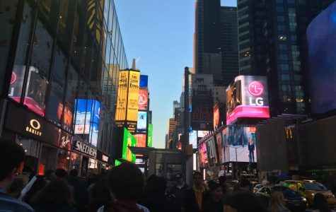 Hingham's Drama Club Visits NYC
