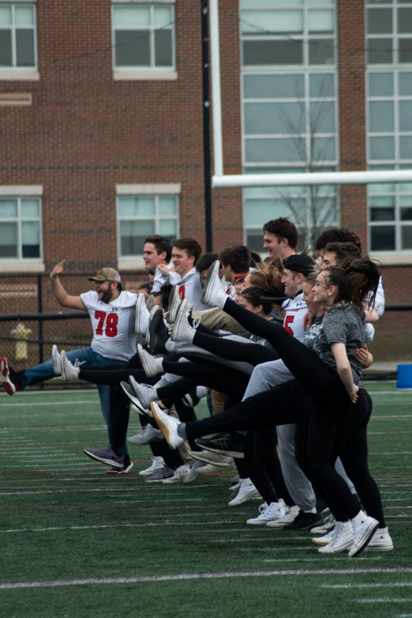 Hingham High School Students Are Thankful for School Spirit