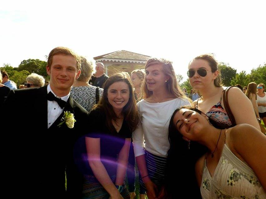 Matt+Dwyer%2C+Charlotte+Ide%2C+Mackenzie+Hunt%2C+Bridget+Hoffsess%2C+and+Paige+Shetty+have+fun+at+pictures+at+Hingham+Harbor.+