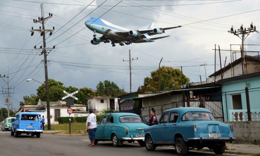 Air Force One flied over Cuba carrying Obama