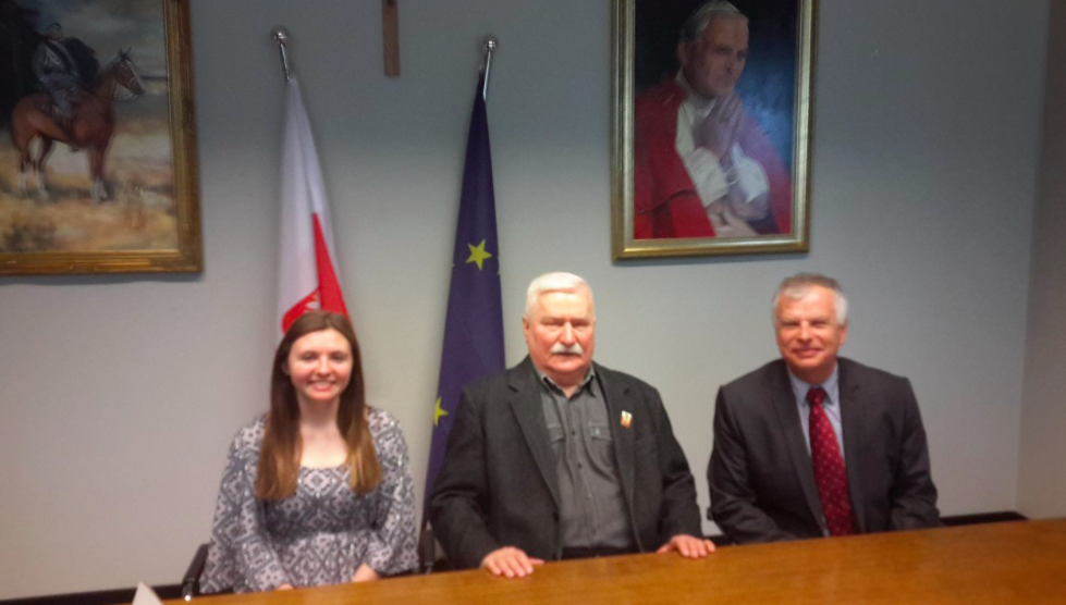 From left to right: Claire Taylor, Lech Wałęsa, Tomasz Taylor.