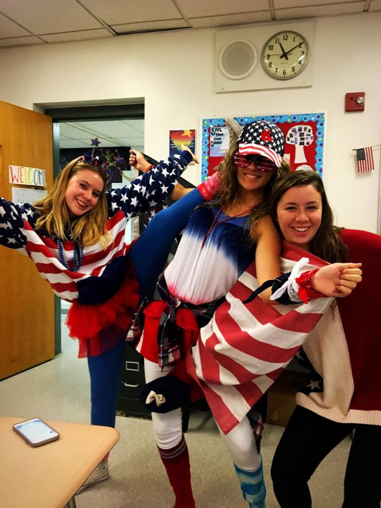 Juniors+Abby+Fennelly%2C+Liv+Davies%2C+and+Leah+Humphrey+rock+intense+U.S.A.+outfits++that+show+off+their+school+spirit.