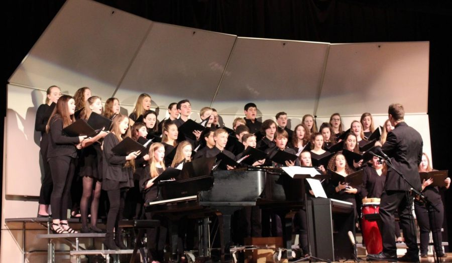 The+expressive+faces+on+the+students+of+Concert+Choral.+%28Photo+by+Patty+McDonald%29