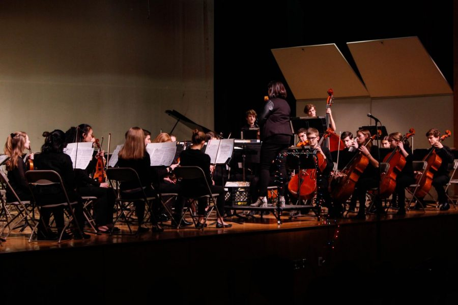 Directer Phaedre Sassano directs the Chamber Players as they begin Im Volkston, the first movement of