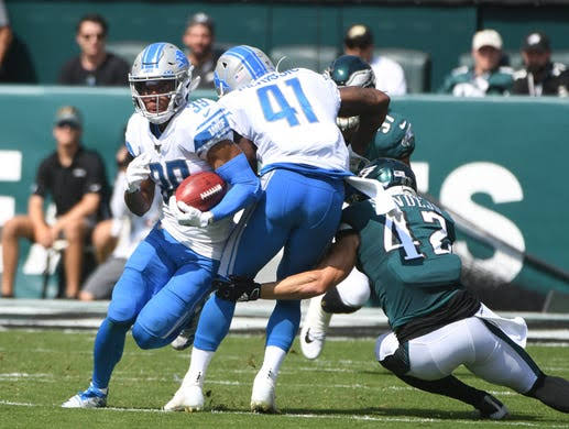 McKrissic+sets+a+hard+block+against+Sendejo+as+Agnew+takes+it+the+whole+100+yards+on+a+kickoff+return.+This+happened+in+the+week+three+game+of+Lions-Eagles.+