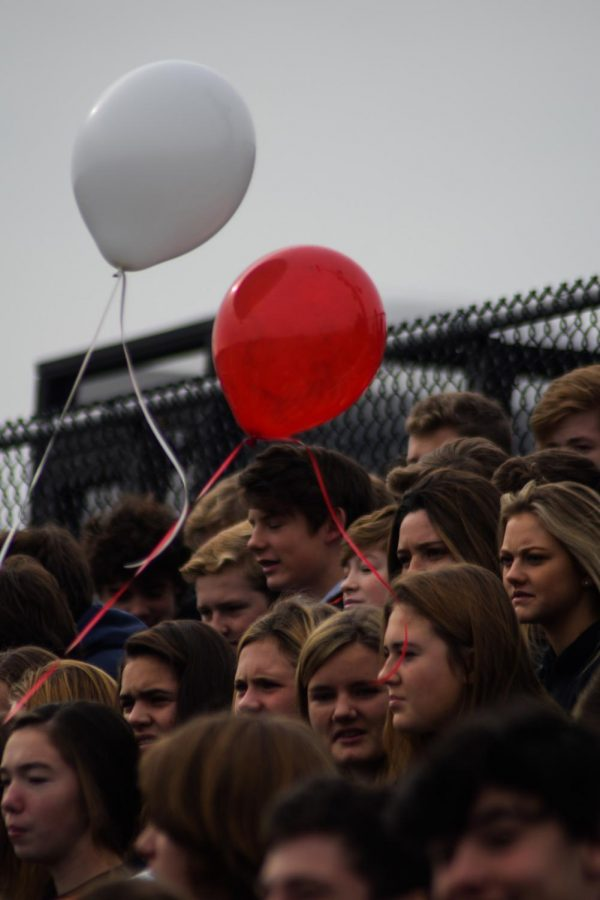 The+Hingham+High+Student+Body+pact+the+stands%2C+anxiously+awaiting+the+annual+Pep+Rally+despite+the+cold+weather.+