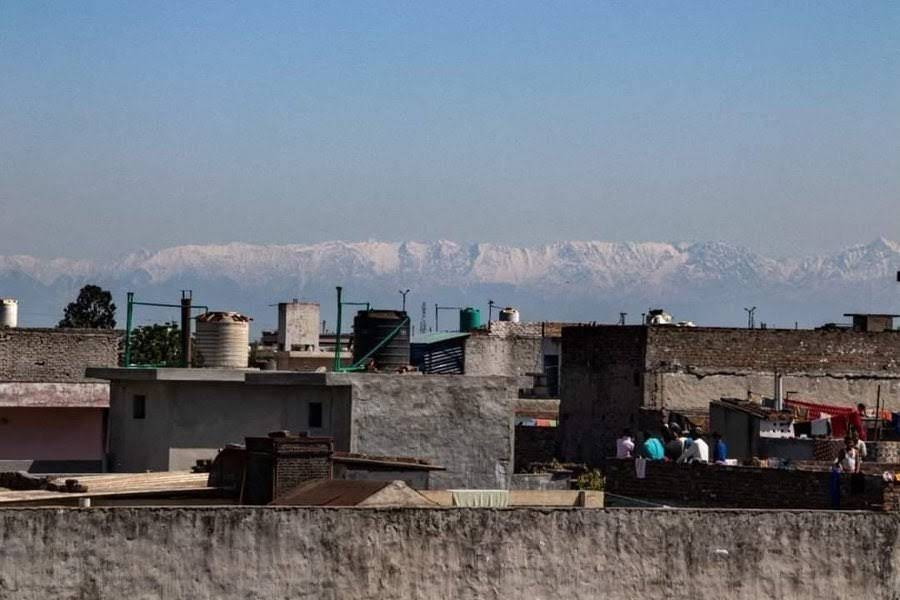 Several citizens of the Indian city of Punjab have noted that the Himalayas are visible from the city for the first time in 30 years. This is due to the reduction in pollution that has accompanied the stay at home orders that have been mandated in many countries all over the world.