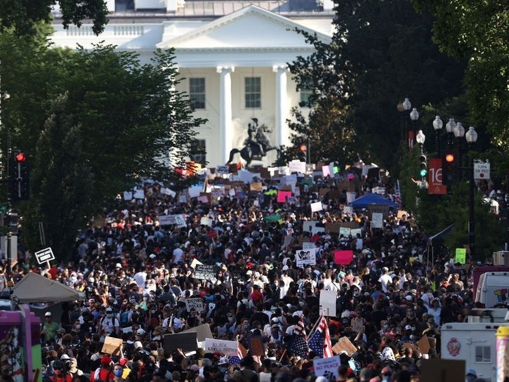 Protests+gather+outside+of+the+White+House+in+Washington+DC.