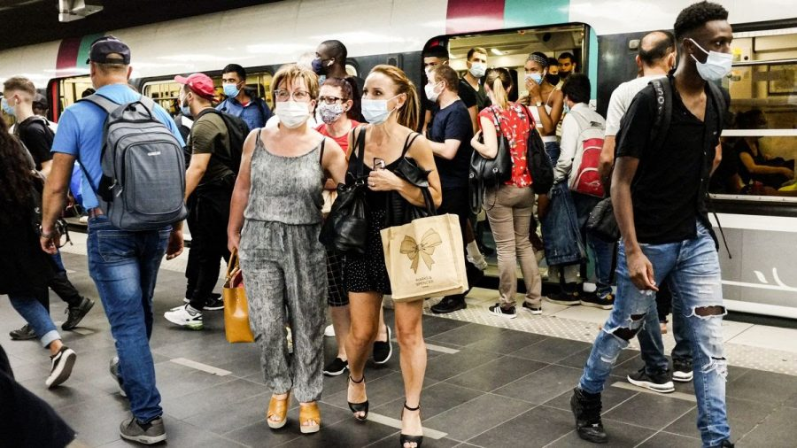 Passengers+on+the+subway+in+Paris%2C+France+on+September+15.%0A