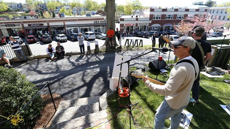 Scott Peterson of the Back Nine Band performing on Saturday, May 1st at the Hingham Heritage Museum during Springham.