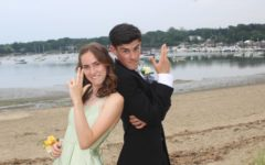 Navigation to Story: Seniors finally have a Prom