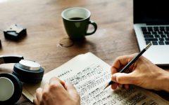 Navigation to Story: Hingham High School Hosts Annual Singer Songwriter Showcase Despite COVID Precautions
